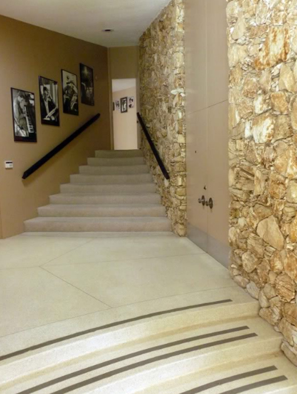 inspiring-elvis-honeymoon-house-with-staircase