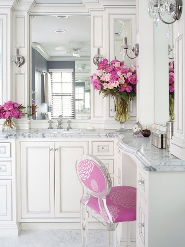 Luxury Bathroom Design With Classic Elements