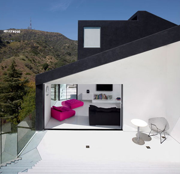 minimalist-mountain-house-with-balcony-by-xten-architecture