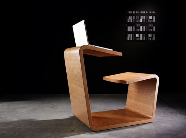 solitaire-office-desk-with-wooden-furniture
