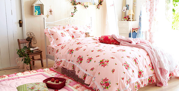 Stylish-pink-and-white-bedroom-ideas-for-girl