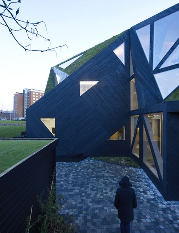 villa-rotterdam-design-with-green-space-by-ooze-architects