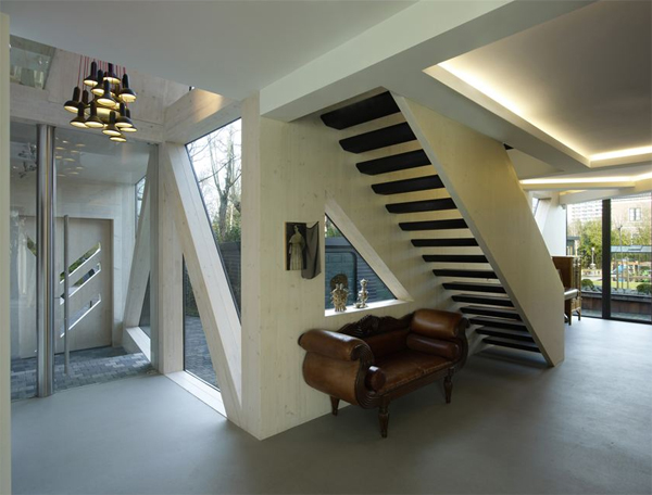 villa-rotterdam-with-staircase-design-by-ooze-architects