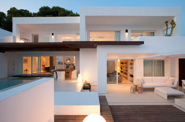 White Beach House Located In Spain by Juma Architects Home Design