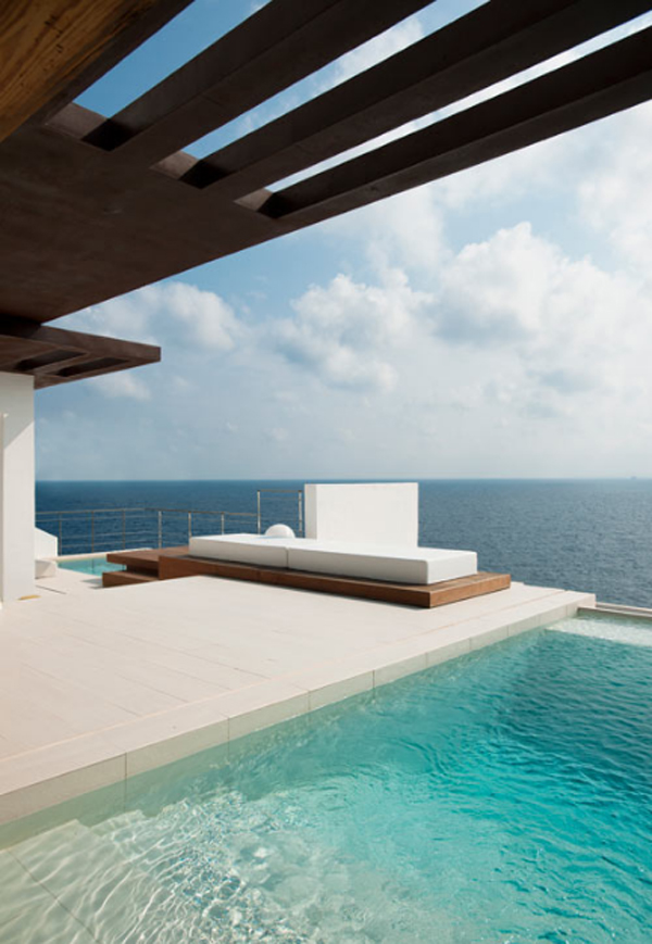 white-beach-house-with-outdoor-pool-by-juma-architects