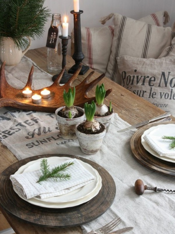 Most simple white christmas table settings for Simple table setting