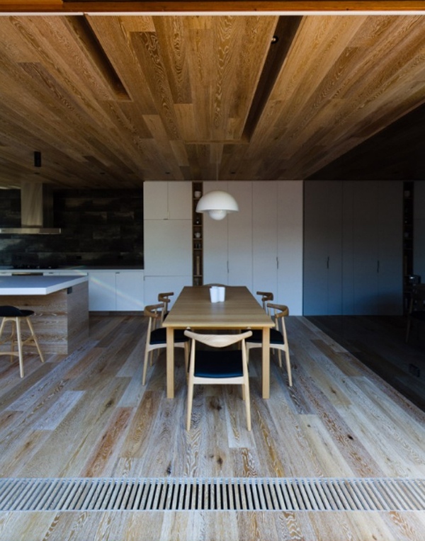 wooden-open-house-with-dining-room-by-eat-architects