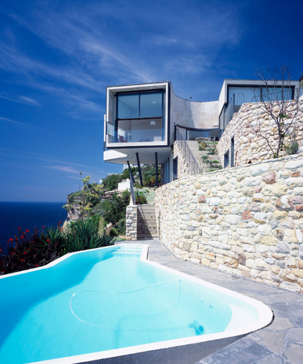 beach-house-holman-residential-with-pools