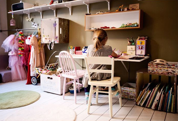 cute-desk-space-for-kids