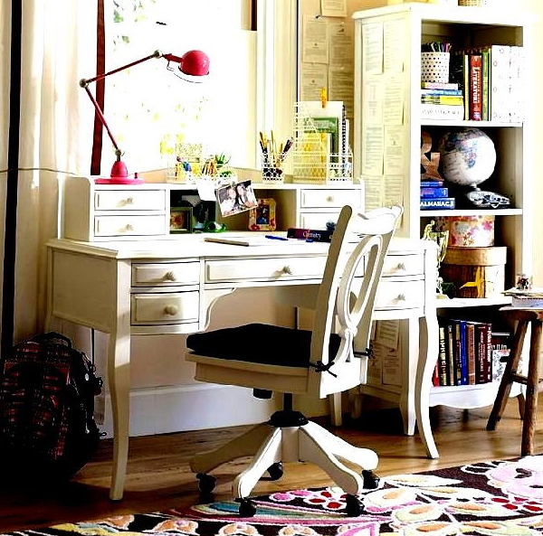 futuristic home office desk with small space ideas