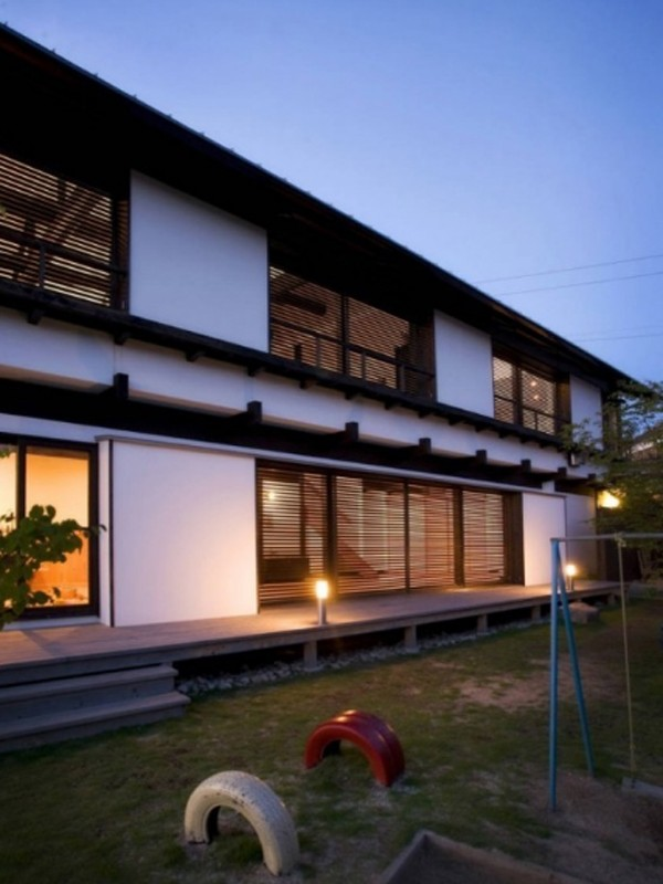 japanese backyard house with traditional elements