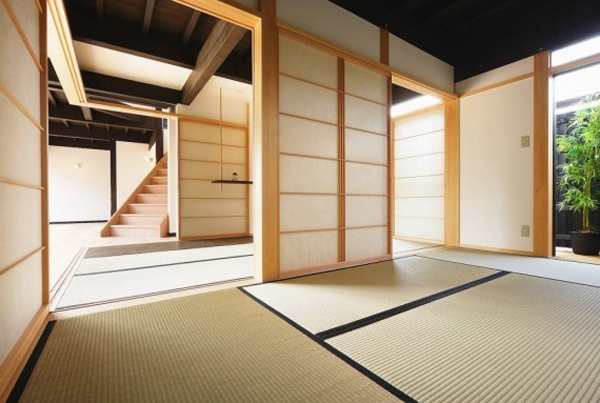 traditional-japanese-house-decor-with-wooden-architecture