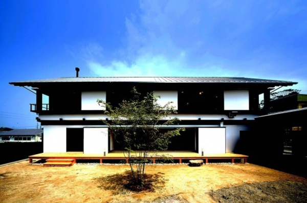 traditional-japanese-house-with-contemporary-styles