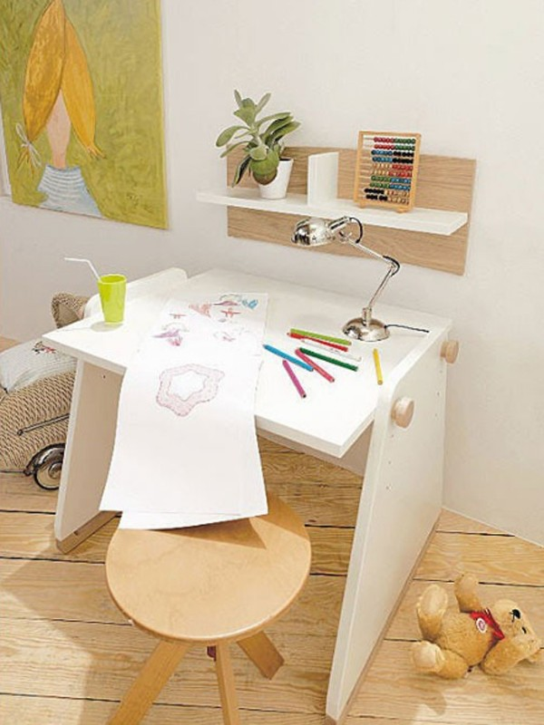 Wooden kids office room with desk chairs 600x800