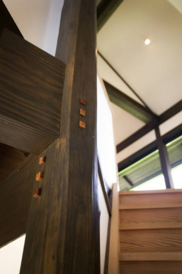 wooden-staircase-with-japanese-ideas