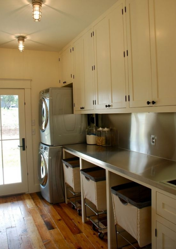 15-creative-laundry-room-decor-with-wooden-furniture