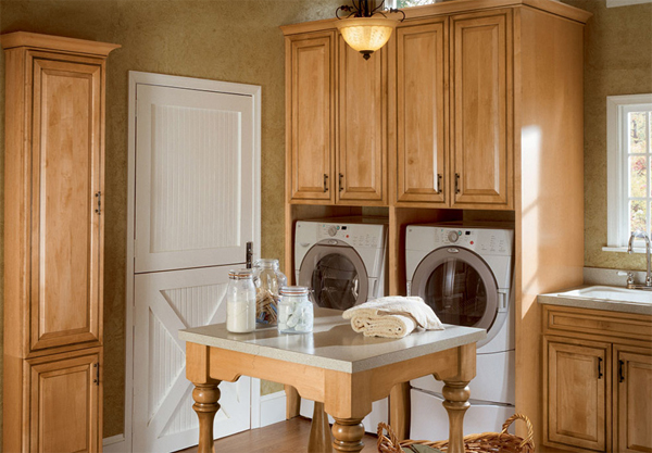15 creative laundry room sets with wooden furniture 15 Creative Laundry Room Design with Wooden Furniture
