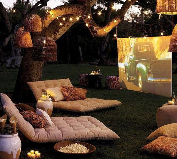 15-wonderful-outdoor-home-theater-design