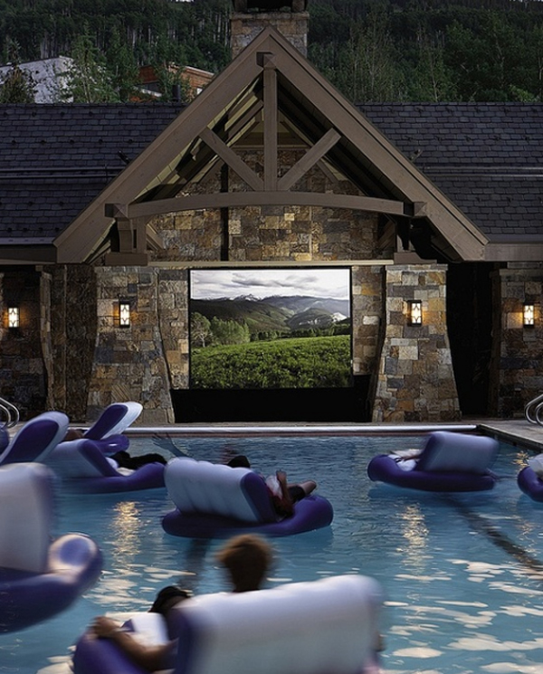 15-wonderful-outdoor-home-theaters