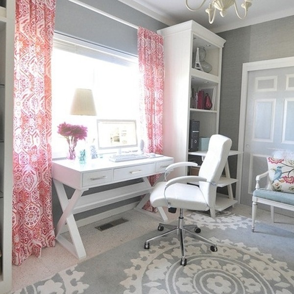 Home Office Space Ideas: 17-pink-office-ideas-with-wooden-furniture