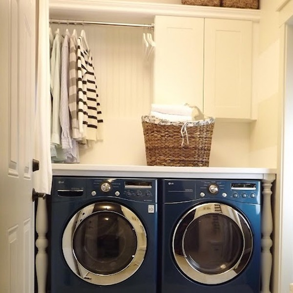 20 laundry room ideas with small space solutions for Small room solutions