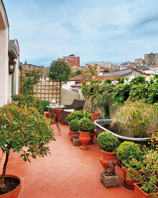 attic apartments with garden balcony located in spain Attic Apartments with Neoclassical Ideas Located In Spain