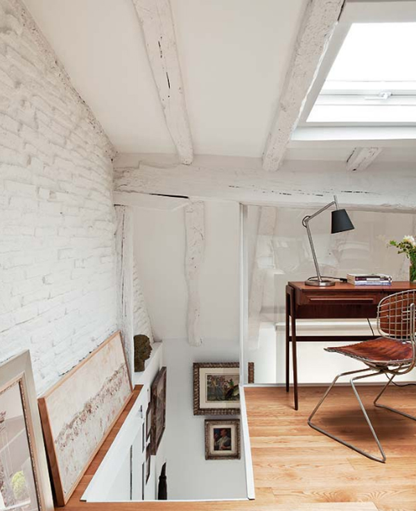 attic-apartments-with-small-office-room-located-in-spain