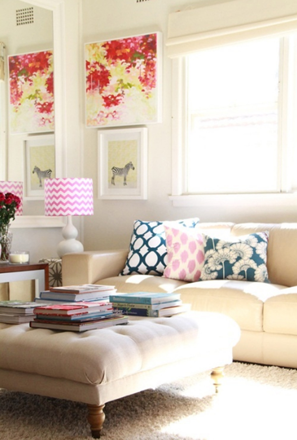 Chic and colorful living room decor for spring for Trendy living room decor
