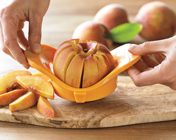 creative-and-fun-kitchen-gadget-with-peach-pitter