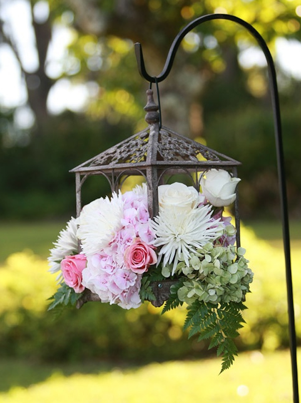 Garden party decor with flower themes for Home garden decoration ideas