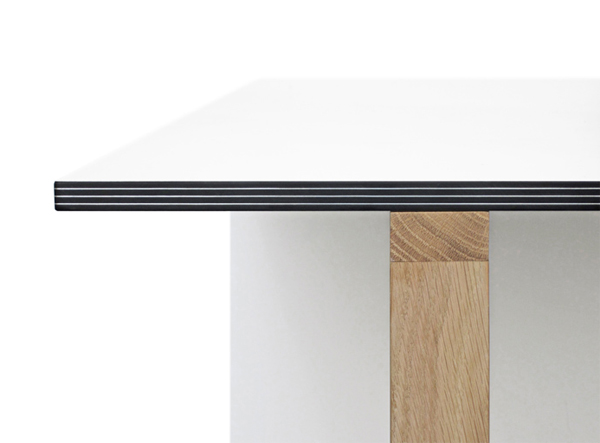 home-office-table-by-reinier-de-jong