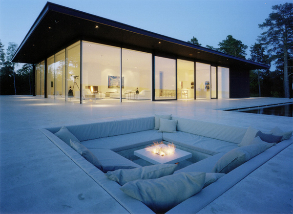 overby-villa-holidays-with-outdoor-furniture-by-john-robert-nilsson