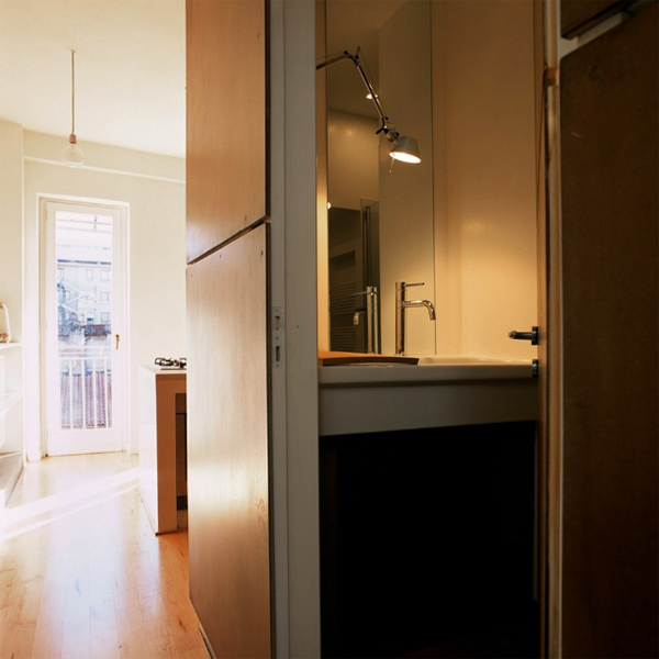 small-apartments-with-bathroom-located-in-turin