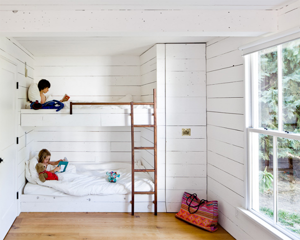 small-house-with-kids-bedroom-by-jessica-helgerson