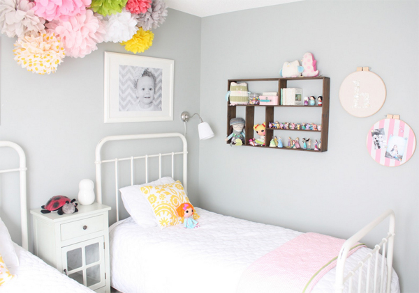 stylish-girl-room-inpiration-with-two-beds