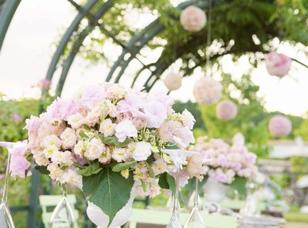 wedding decoration garden with flower themes 15 Wedding Garden Decorations With Flower Themes