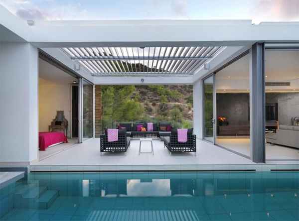 zephyros-villa-with-outdoor-furniture-in-cyprus