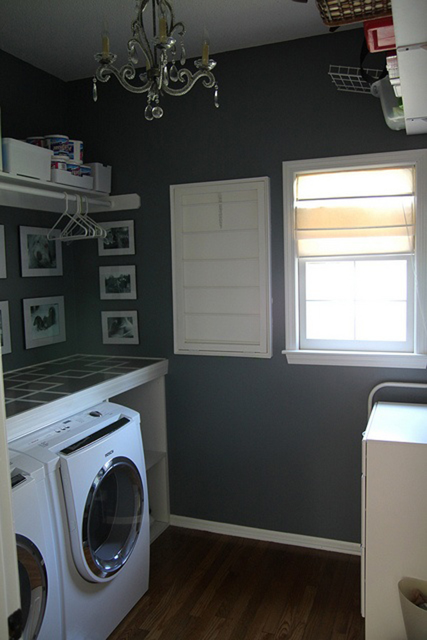 black white laundry room design 10 Black and White Laundry Room Design Ideas