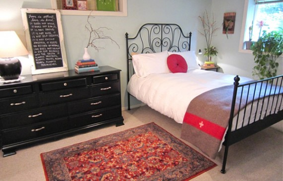 colorful-bedroom-with-organized-ideas