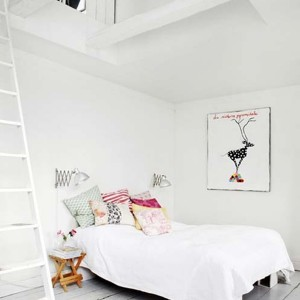 cool-and-comfy-scandinavian-style-bedroom