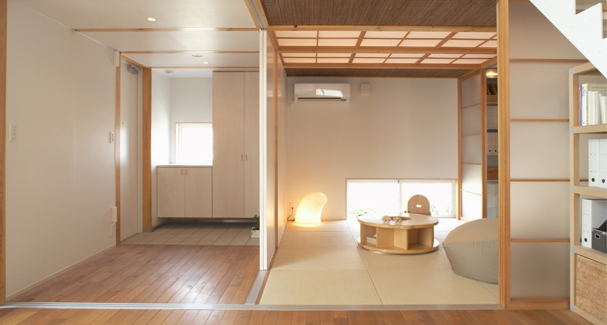 Cool japanese playroom design for Japanese minimalist house design