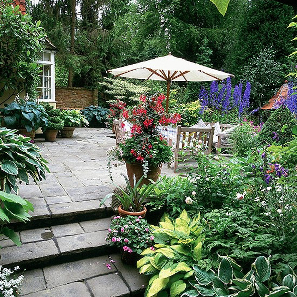 small patio garden design