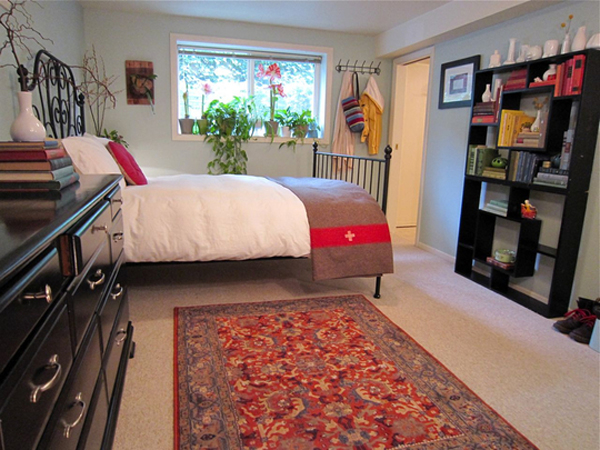 Small and colorful bedroom with organized ideas home for How to organize a small room