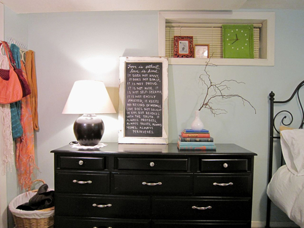 . small bedroom with dressers