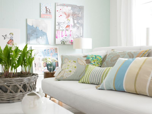 small-pastel-living-rooms