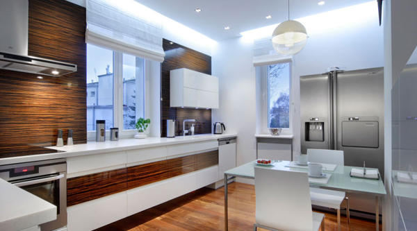 white-kitchen-with-eat-room