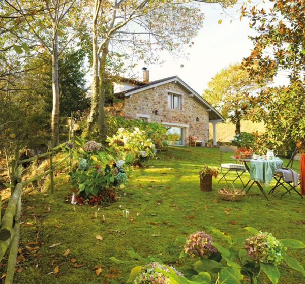 Rustic Small House With Beautiful Garden In Spanish Home Design And