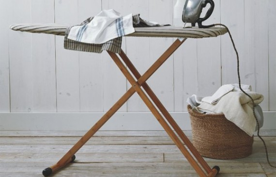 laundry-ironing-board-with-bamboo-style