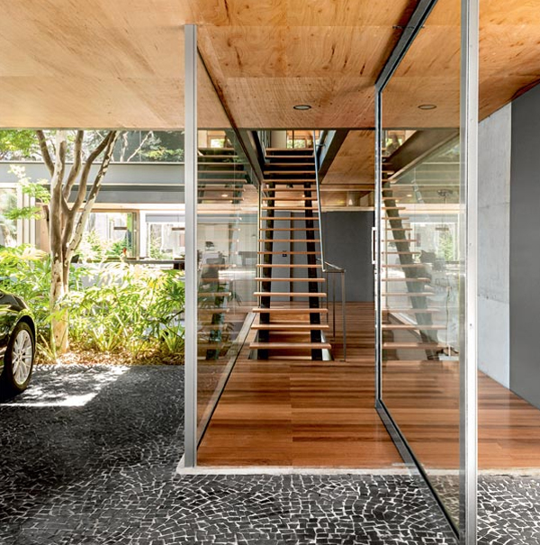 Modern Wooden Home Design: Modern-wood-house-with-stairs