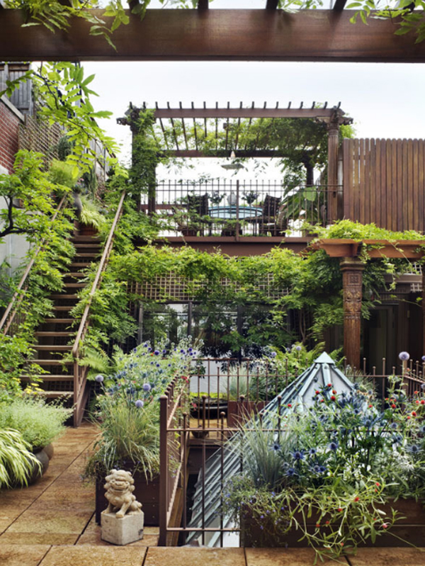 Awesome rooftop gardens in duplex penthouse loft home for Rooftop gardening